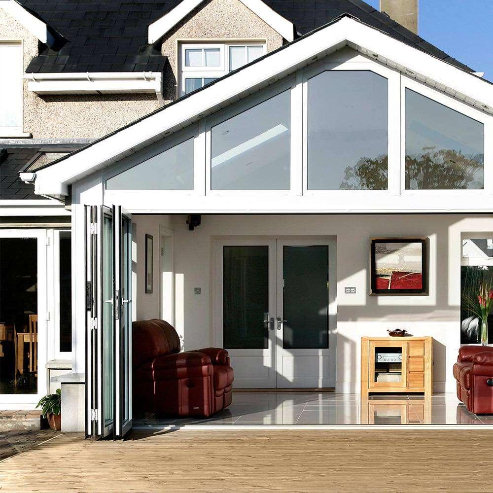 Bi-fold doors conservatory