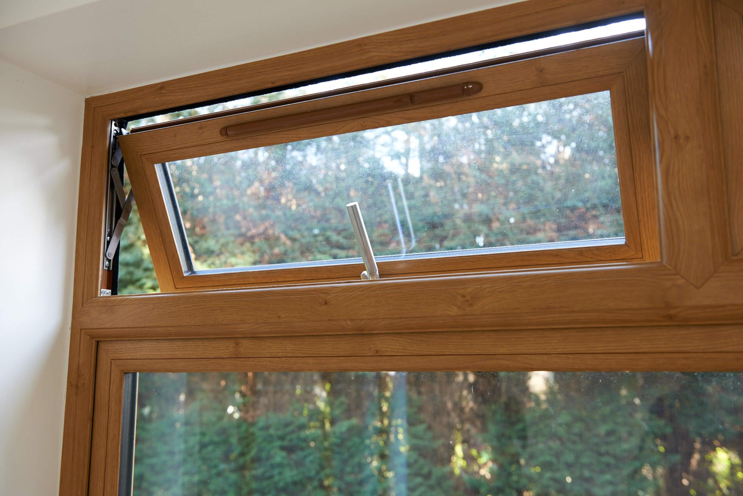 double glazing on windows helps improve the performance of your home
