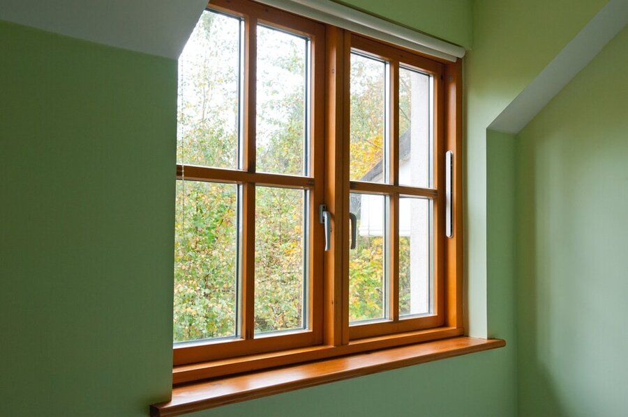 maintain wooden window frames